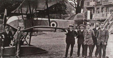 Sopwith-Tabloid-outside-Albany-Boathouse-1916